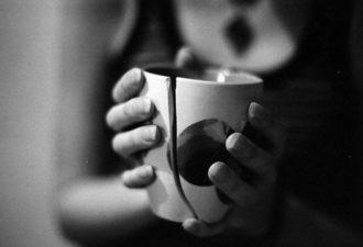 Ритуал на избавление от проблем и неприятностей «Разбитая чаша»