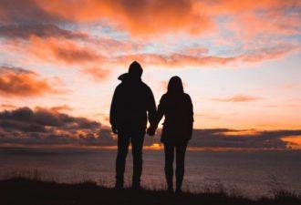 Что ожидать от отношений между партнерами одного зодиакального знака