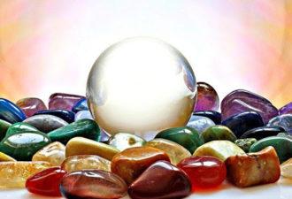 6 камней, которые помогают эмпатам справиться с интенсивными энергиями, которые атакуют их со всех сторон!