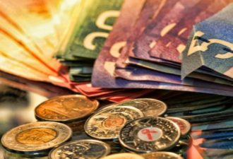 Как привлечь деньги в дом: самый действенный способ
