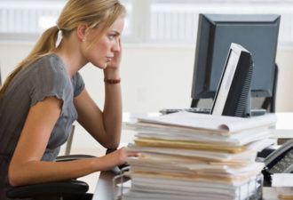 Приметы на работе: что сулит прибыль и успехи, а что предупреждает о неудачах