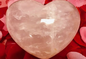 7 кристаллов, которые помогут оживить вашу личную жизнь!